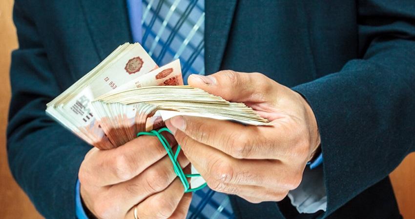 пересчет денег в руках