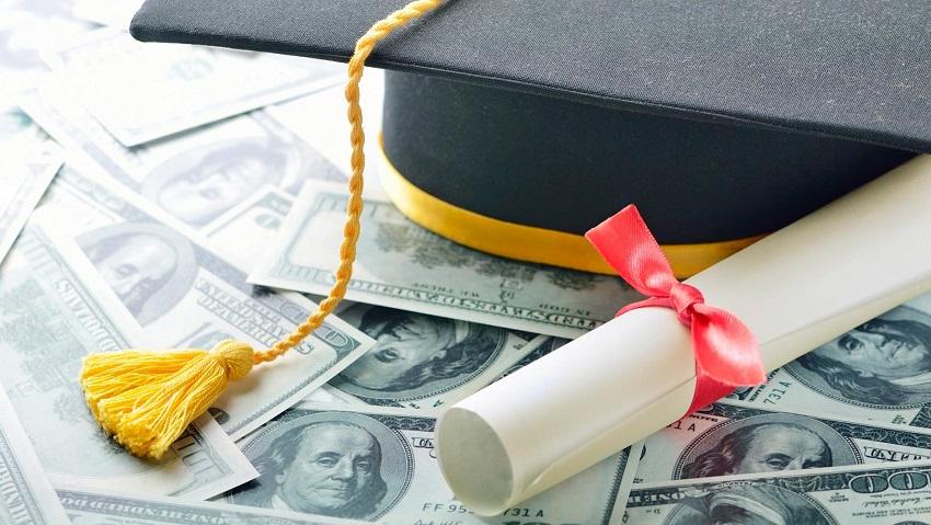 студенческая академическая шапка