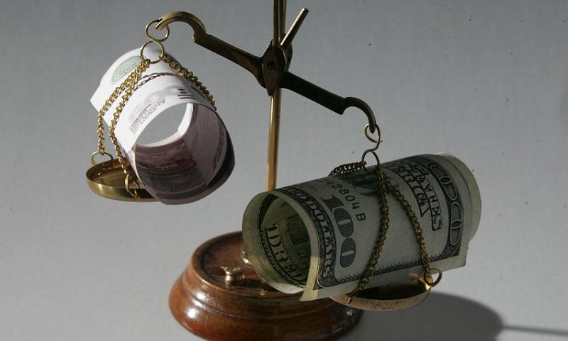Стоит ли переводить валютный кредит в рублевый